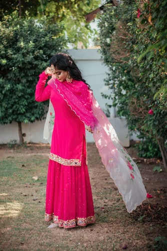Wear A Pink Kurti In Different Styles